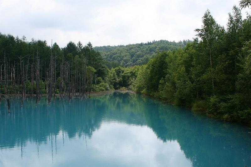 Вид на голубой пруд Биэй