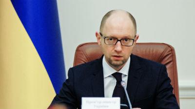 Яценюк: на востоке Украины концентрируется огромное количество военных и техники