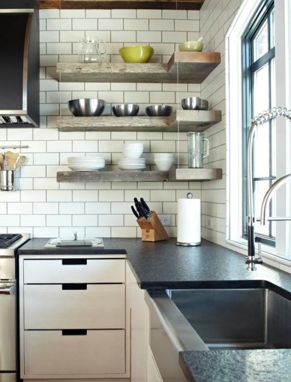 Деревянные полки для стен кухни