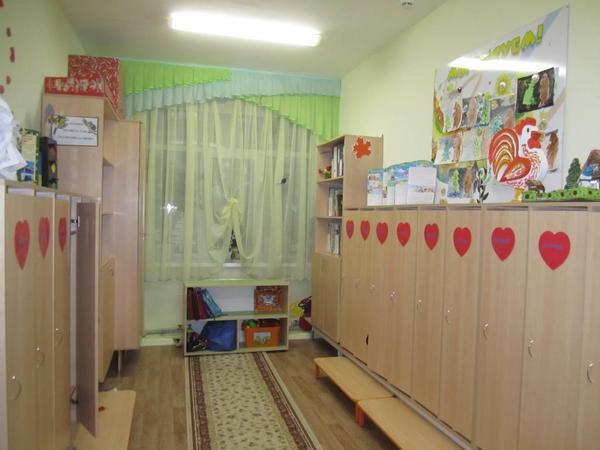 Мальчик первый раз пришел в детский сад. И началось...