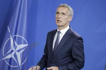 НАТО выступает за продолжение диалога с Россией