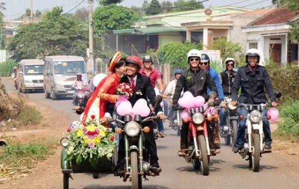 Свадьба на 40 мотоциклах «Минск».