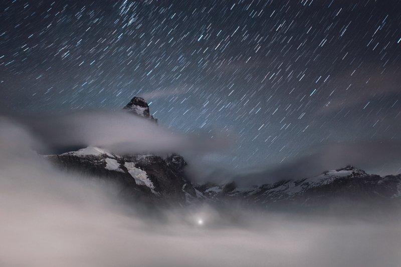 Маттерхорн (4 478 м) - вершина в Пеннинских Альпах на границе Швейцарии и Италии горы, красиво, небо, облака, природа, творчество, фото, фотограф
