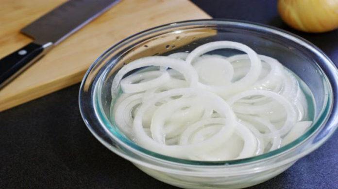 Очень вкусный маринованный лук