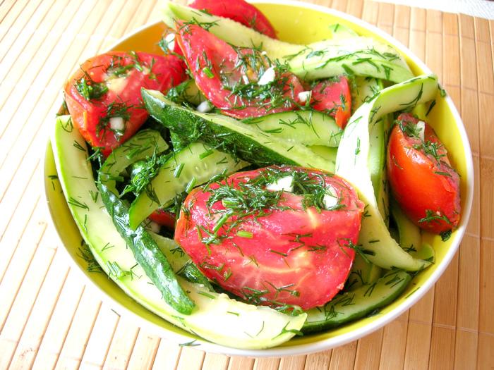 Хрустящие малосольные овощи …