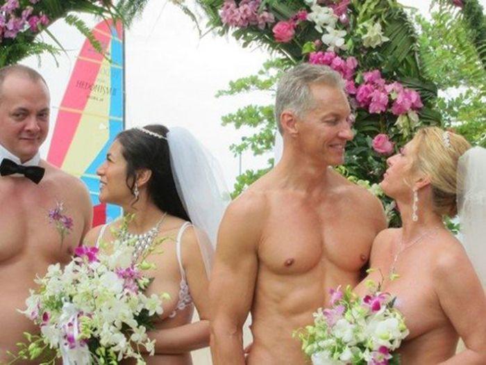 18. Вот как выглядит свадьба нудистов Свадебные платья, свадьба
