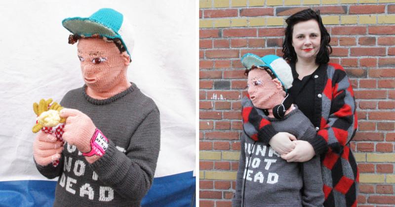 """Рукодельница смастерила вязаную """"версию"""" собственного сына, чтобы обнимать её вязание, нидерланды, пубертат, рукоделие"""