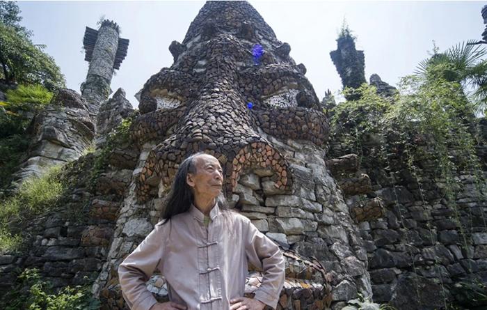 Скульптор из Китая в одиночк…