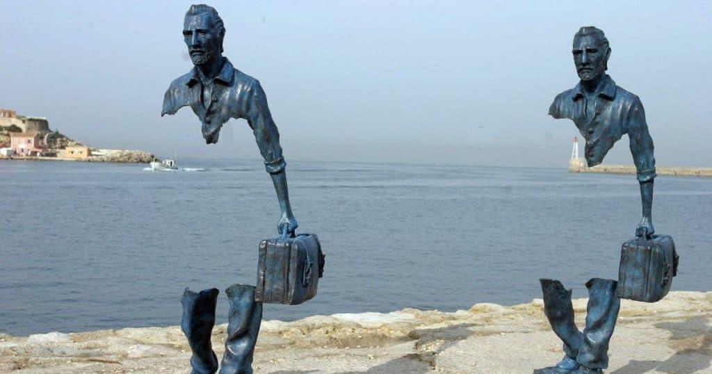 Картинки по запросу 13 поразительных скульптур, которые перевернут твое представление о реальности!
