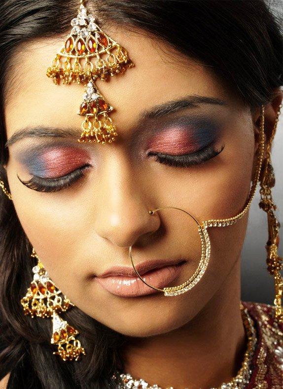 Экзотическая красота —  индийские невесты в национальных свадебных уборах