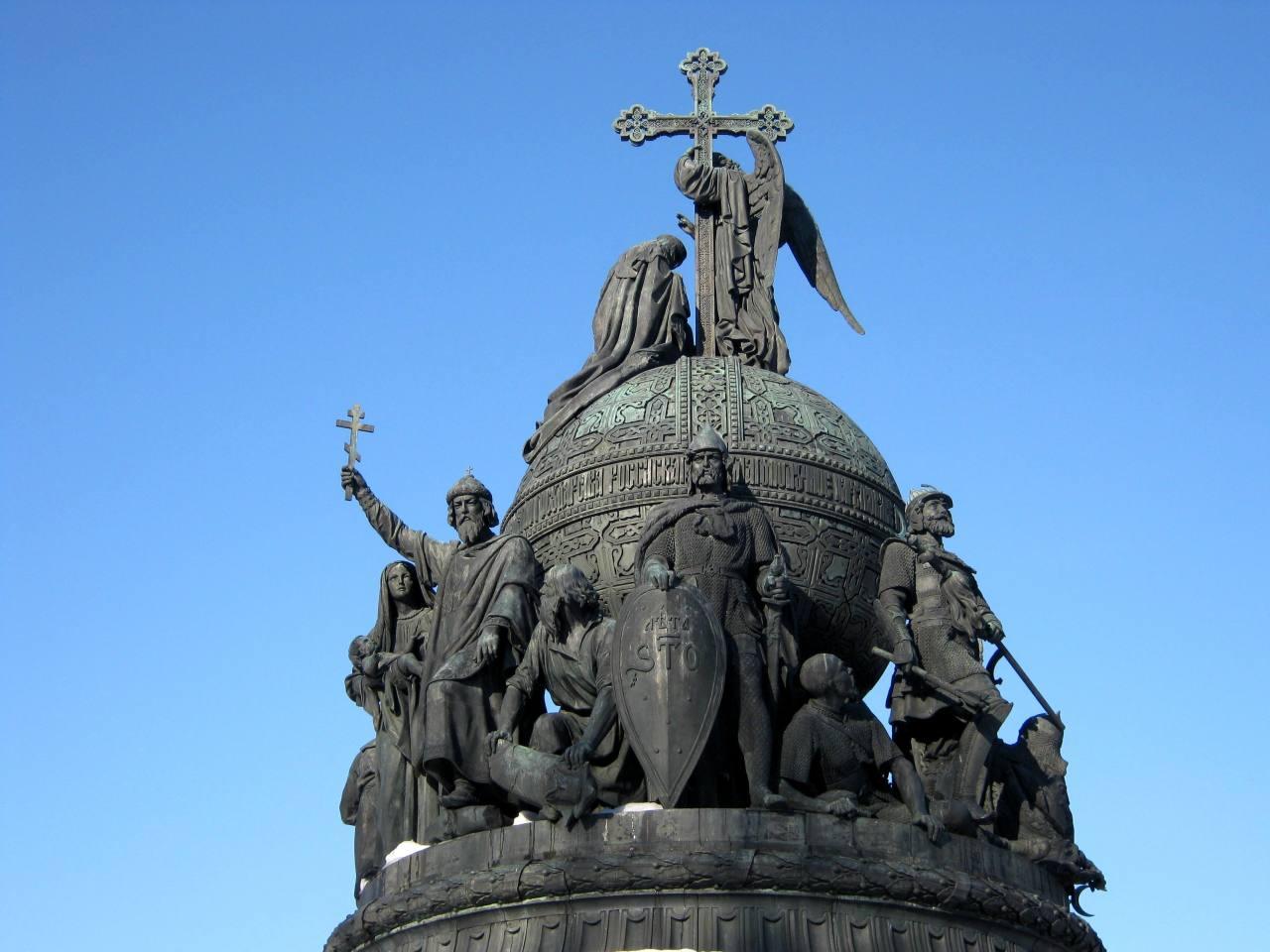 Порошенко распорядился подготовиться к 1030-летию крещения Киевской Руси