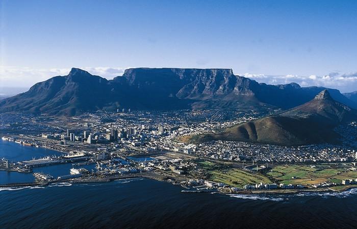 Семь чудес света: Столовая гора в Кейптауне.