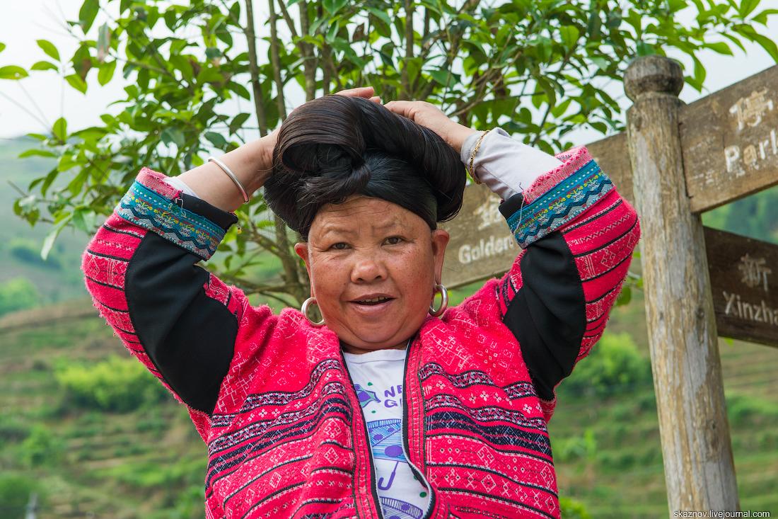 Длинноволосые женщины деревни Дажай. Китай