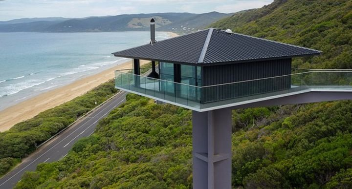 """""""Pole House"""". Стеклянный дом расположен на высоте 40 метров и находится на одном из самых красивых австралийских пляжей дом, интересное, красиво, обрыв, строения"""