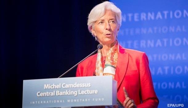 МВФ: Украина должна проводит…