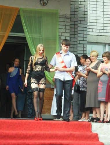 Шокирующие выпускные платья