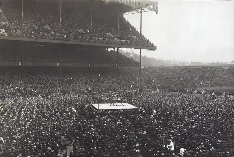 21. Бокс на стадионе Янки, Нью-Йорк, 1923 год. интересное, исторические фото, история, фото