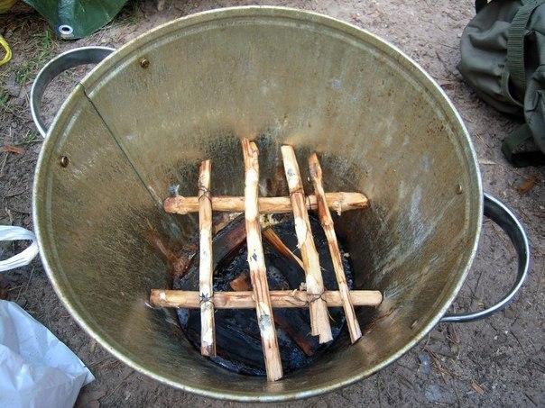 Коптильня своими руками горячего копчения из ведра