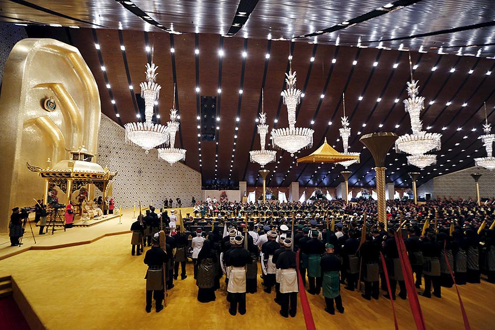 Пять миллионов долларов - на такую сумму раскошелился султан Брунея Хаджи Хассанал Болкиах на свадьбу своего сына Брюнея, султан