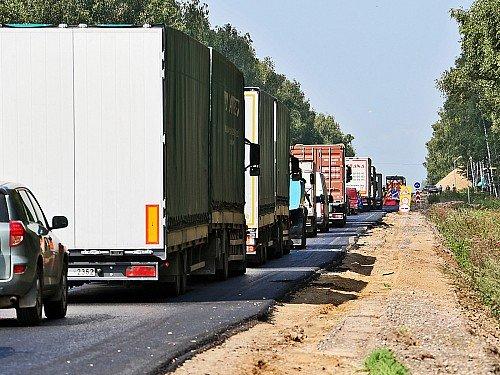 Физлицам хотят запретить регистрацию грузовиков и автобусов