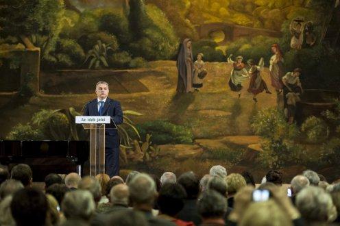 """Виктор Орбан: """"Европу предали"""", Сорос спонсирует поток мигрантов"""