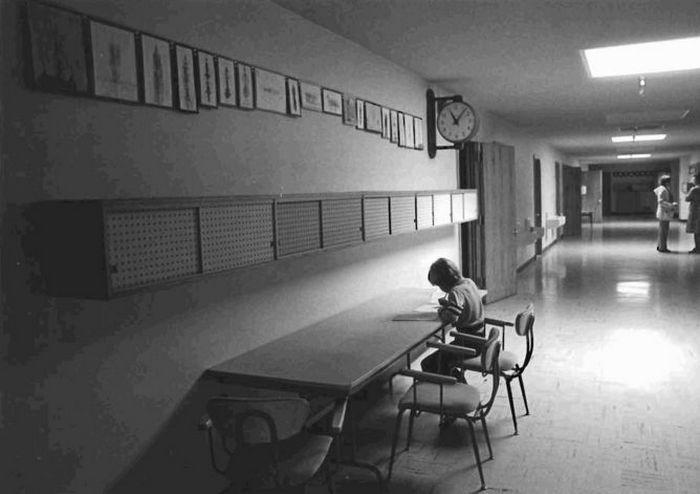 Коридоры подземной школы.