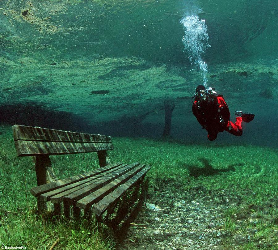XBknUDR Призрачный парк Зеленого озера