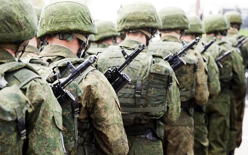 Должники по алиментам пойдут в армию. Зачем?