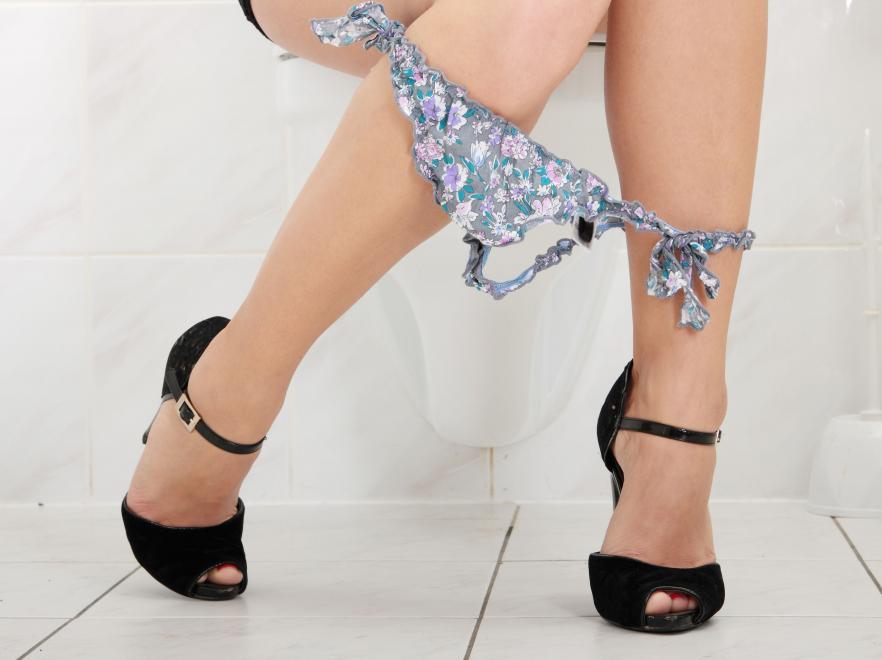 4. Будьте осторожны при пользовании общественным туалетом возраст, жизнь, люди
