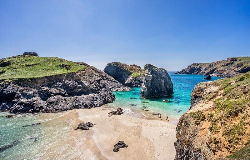 8. Во время отлива на этом пляже можно исследовать множество пещер и островов в мире, красивые места, мир, неожиданно, пляж, путешествия, туризм, фото