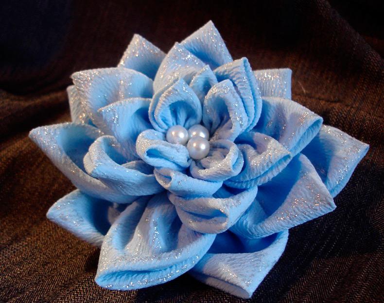 Как изготовить цветы из ткани своими руками видео