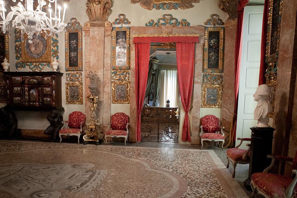 http://dlyakota.ru/uploads/posts/2012-11/dlyakota.ru_fotopodborki_italiya-lago-madzhore-izola-bella-dvorec-borromeo-2012_14.jpeg