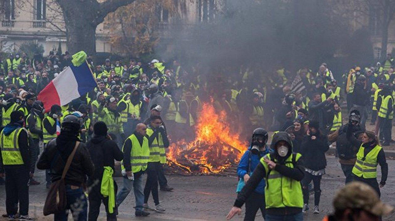 Право на протест или Затянувшийся «майдан» в Париже