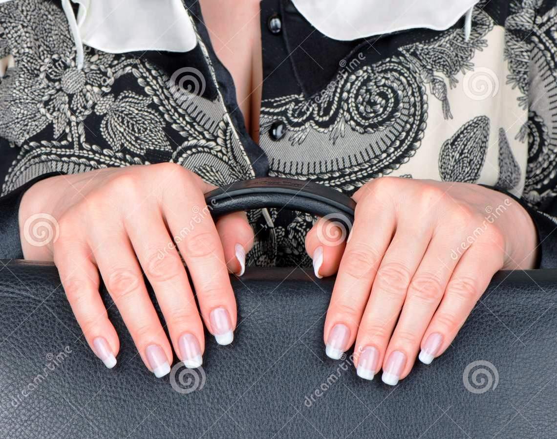 Женская рука. Всё, всё можно сказать по женской руке. Ну хорошо, почти всё!
