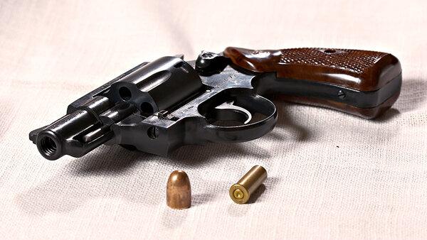 Что лучше: револьвер или пистолет
