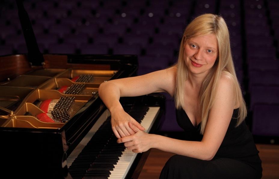 Пианистка Валентина Лисица считает цензурой удаление из плейлиста авиакомпании KLM её музыки