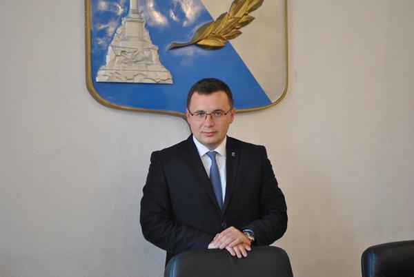 Антон Тицкий исключён из изб…