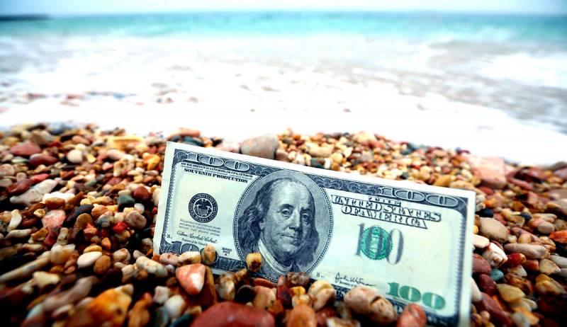 На Западе массово закрывают счета россиян