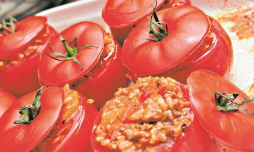 Фаршированные помидоры с грибами и овощами