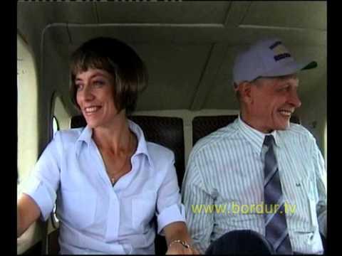 """Скрытая камера. Пилот выходит из самолета. Оставшийся пассажир """"вспоминает прожитую жизнь"""""""