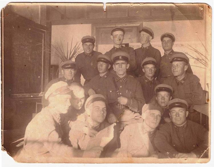 Как чекисты-ежовцы искупали вину в тылу врага во время ВОВ. ( фото и документы )