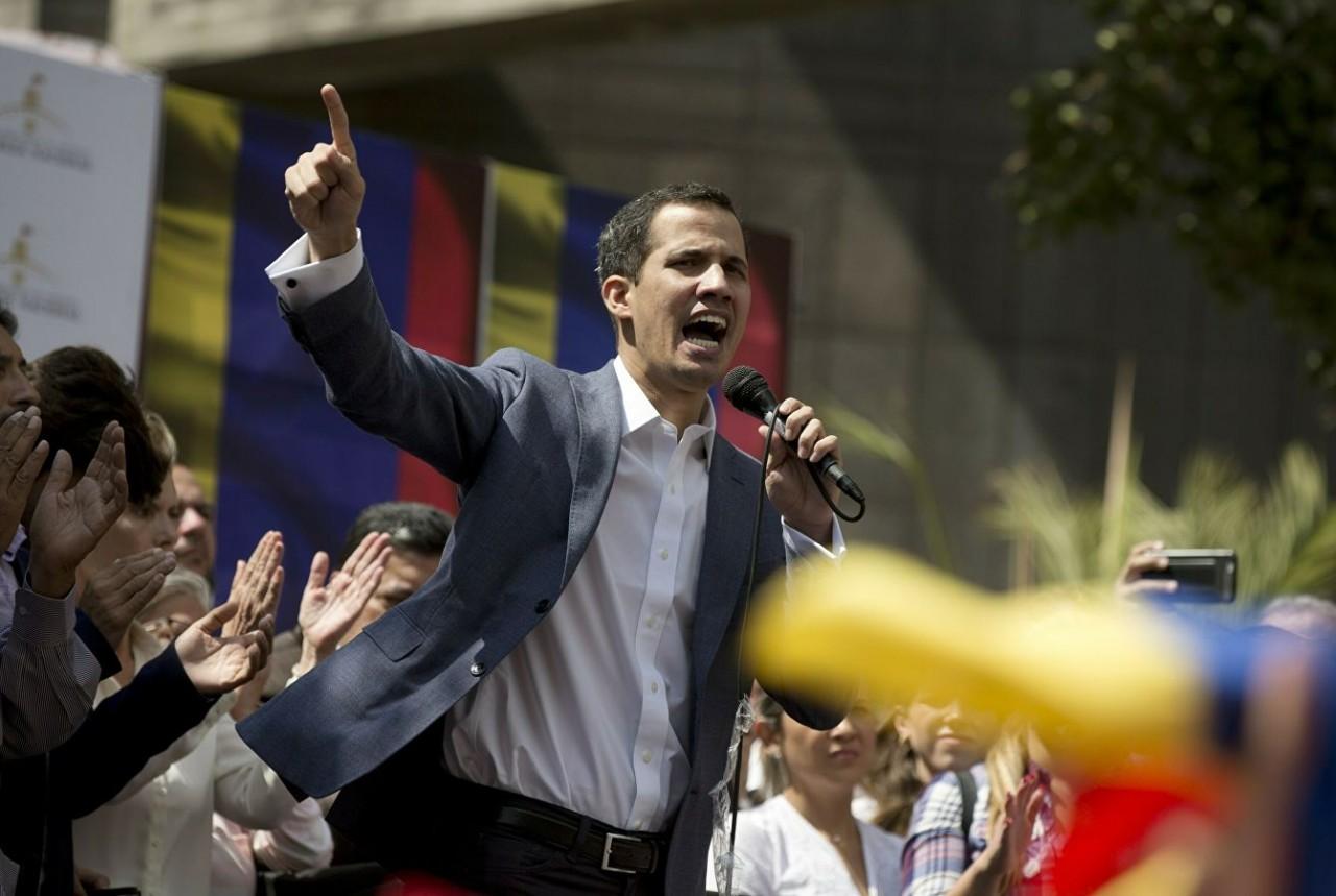 США не позволяют оппозиции вести переговоры с Мадуро