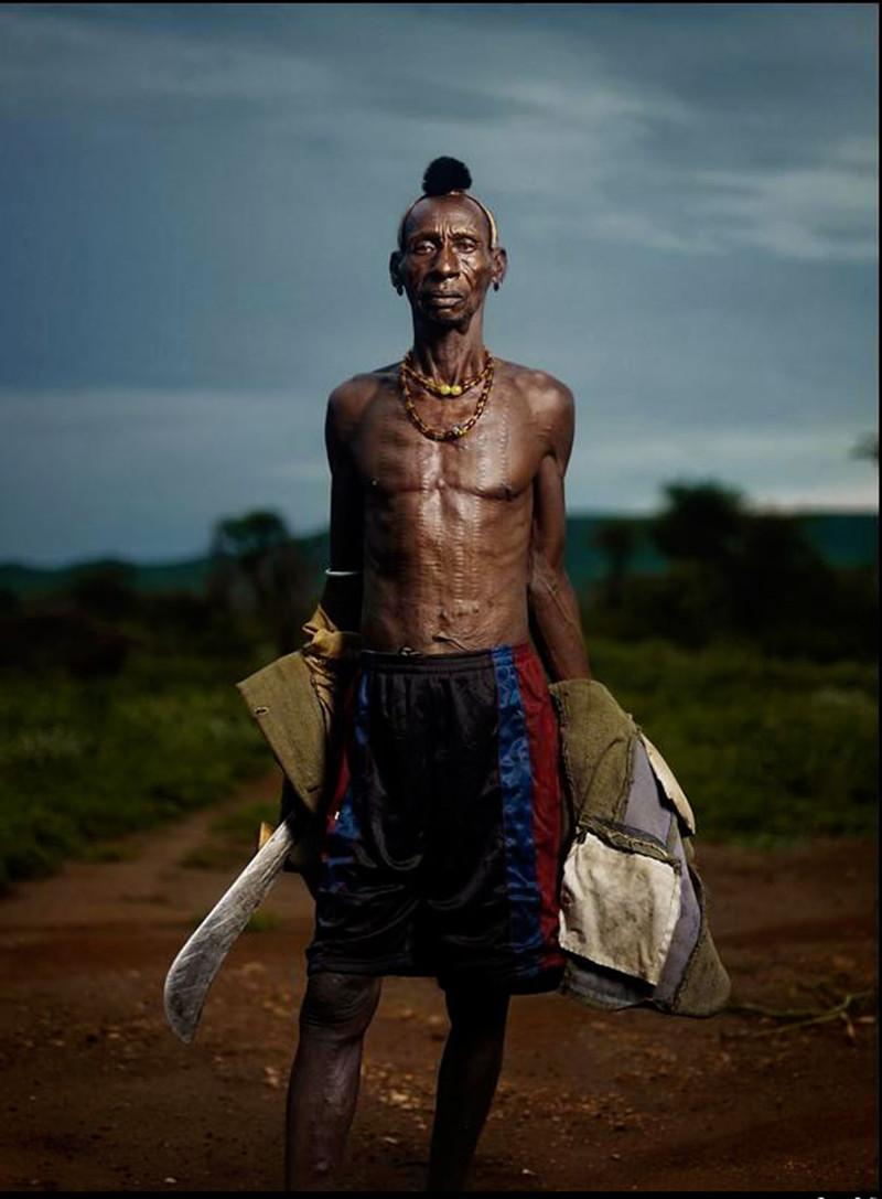 Секс в племенах Африки где туземцы жестоко трахают свои тёлок