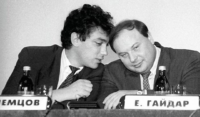 Идеи: Нам нужен памятник жертвам Немцова, а не Немцову
