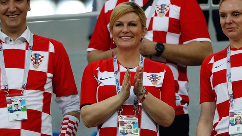 От футбольной формы до невероятно женственных платьев: лучшие наряды Колинды Грабар-Китарович