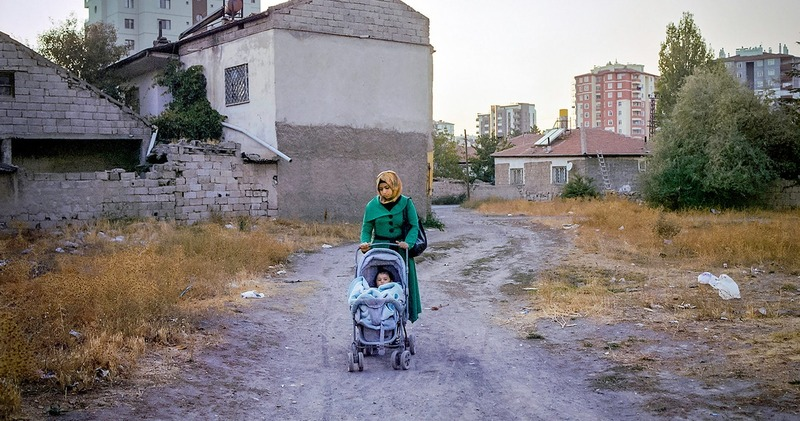 «Половина 15-летних девочек уже разведены»: детские браки сирийских беженцев