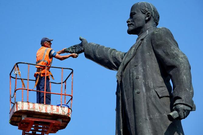 Нам демократия дала… Скорее – отняла то, что дал Ленин
