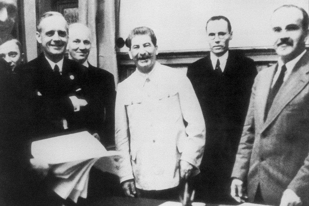 «Если бы Сталин не подписал этот акт рукой Молотова, не было бы 30 млн погибших»