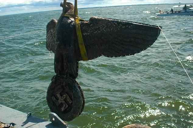 """Уругвайские власти продают предметы с германского """"карманного линкора"""" Admiral Graf Spee"""