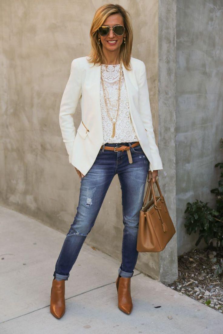 С чем носить джинсы в офис: с кружевным топом, жакетом и ботинками на каблуке